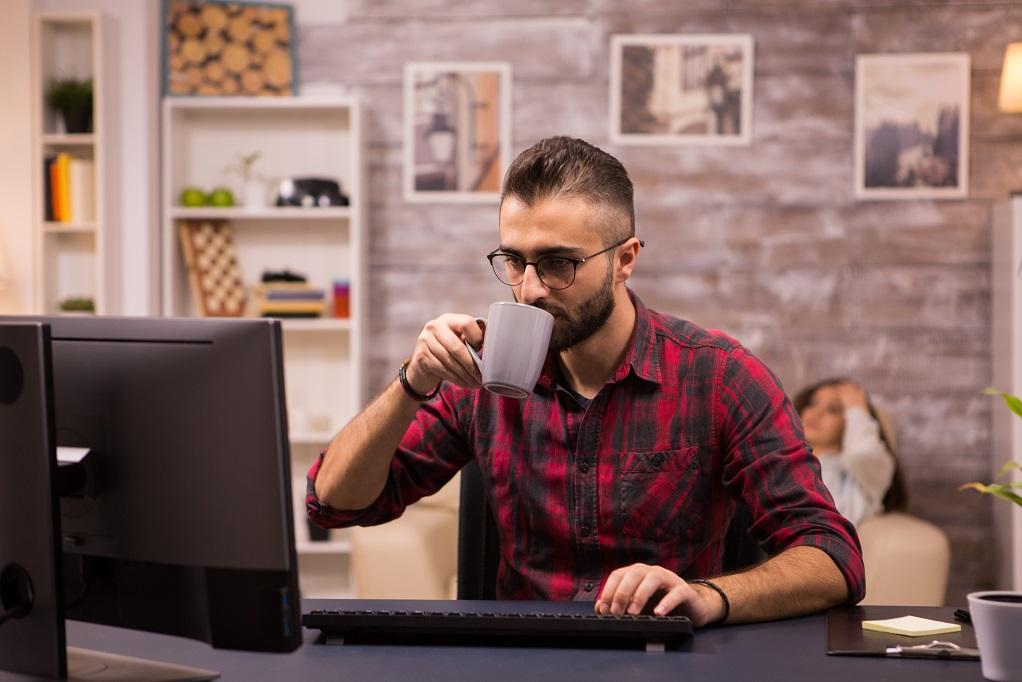 أهمية الفصل بين مساحة العمل والمساحة الشخصية أثناء العمل من المنزل
