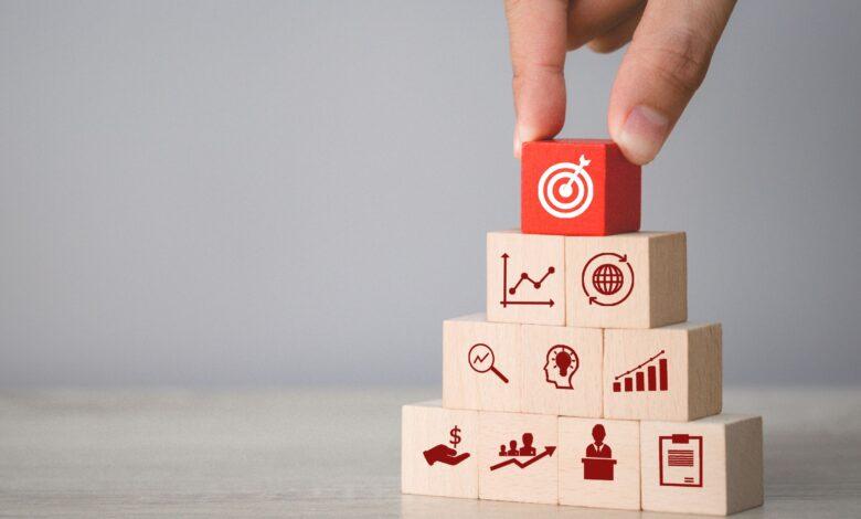 كيف تضع أهدافك المالية وتخطط لها بشكل صحيح